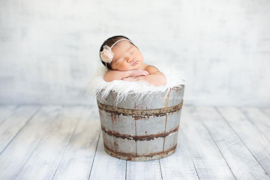 Newborn baby girl pictures